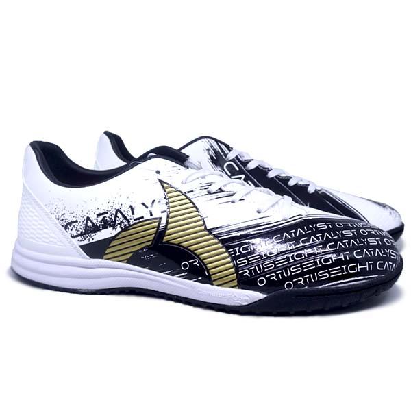 Sepatu Futsal Ortuseight Catalyst Revenge IN - Black/White/Gold